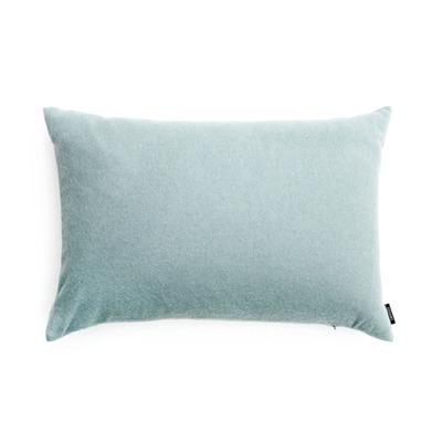 Lniane, satynowe, jedwabne- jakie poduszki dekoracyjne wybrać?